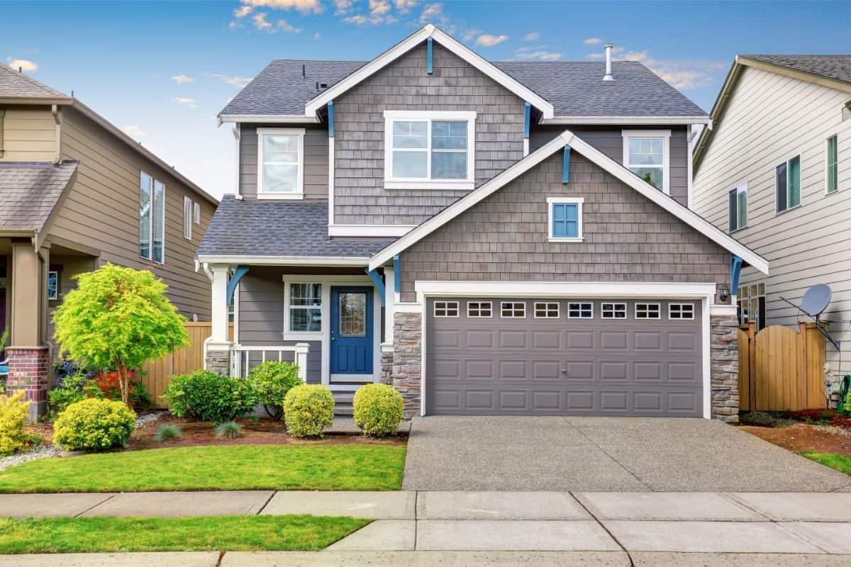Concrete vs Asphalt Driveways: Pros & Cons for Each