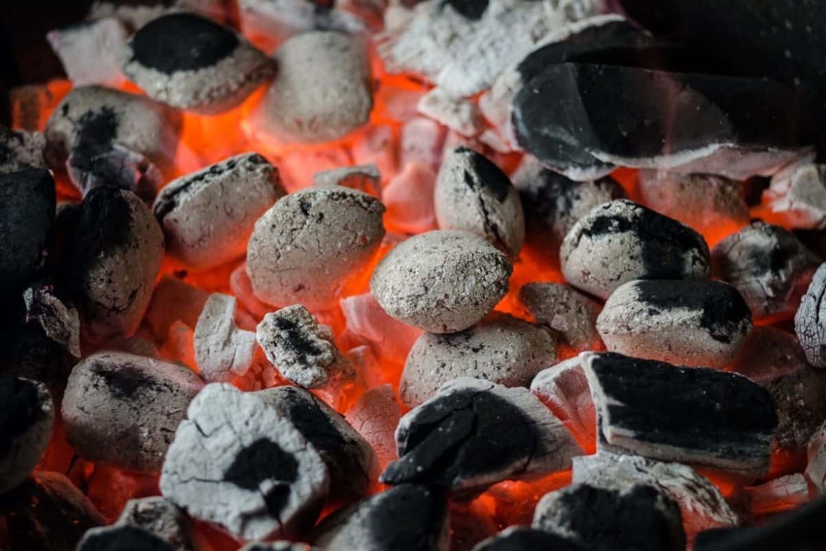How To Keep a Charcoal Grill Lit!